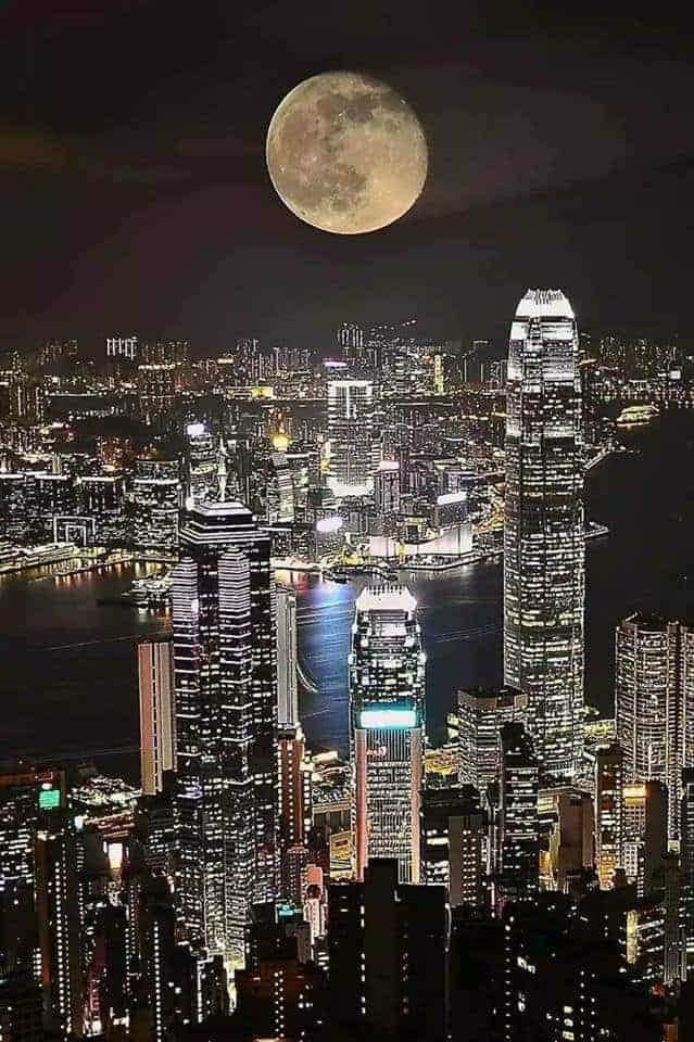 hongkong_moon