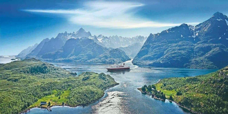 Hurtigruten, trollfjorden Norge