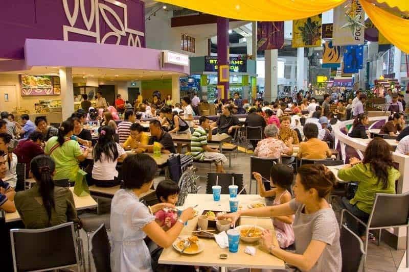 Singapore´s restauranter mere edn 20000 i alt med mad fra 1.5 usd til luksus restauranter