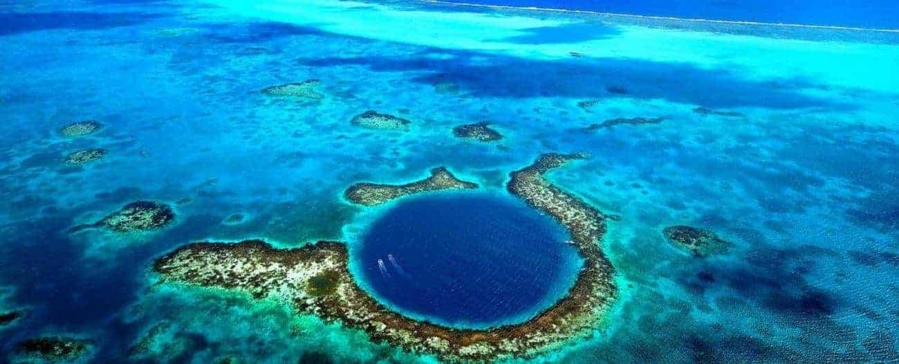 Dykkerferie til Belize. great_belize_barrier_reef set fra luften