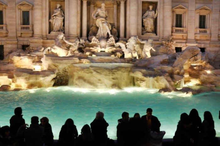 Trevi fontænen aften, (Fontana di Trevi), Rome, Italy..jpg