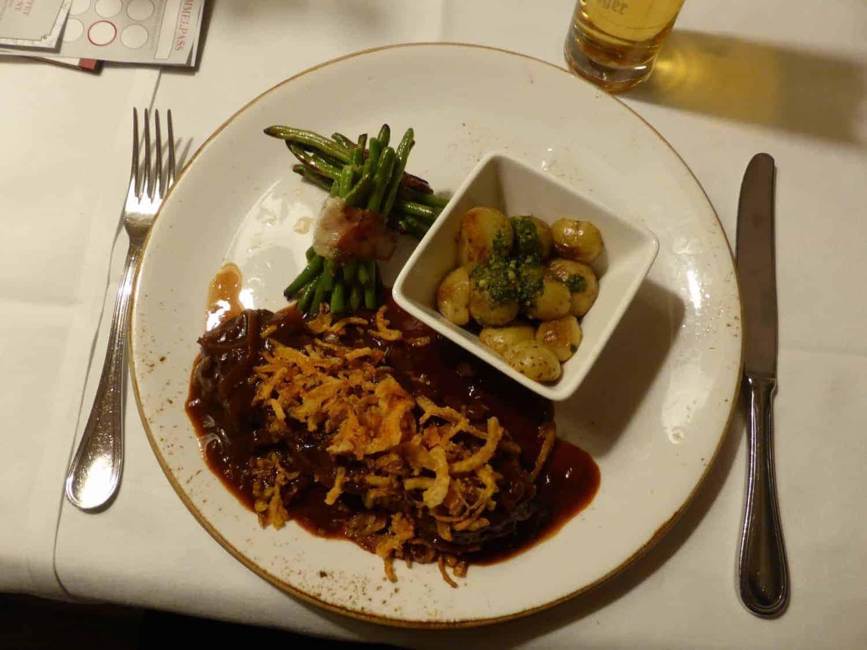 St. Johann roastbeef på tirolsk på Hotel Post