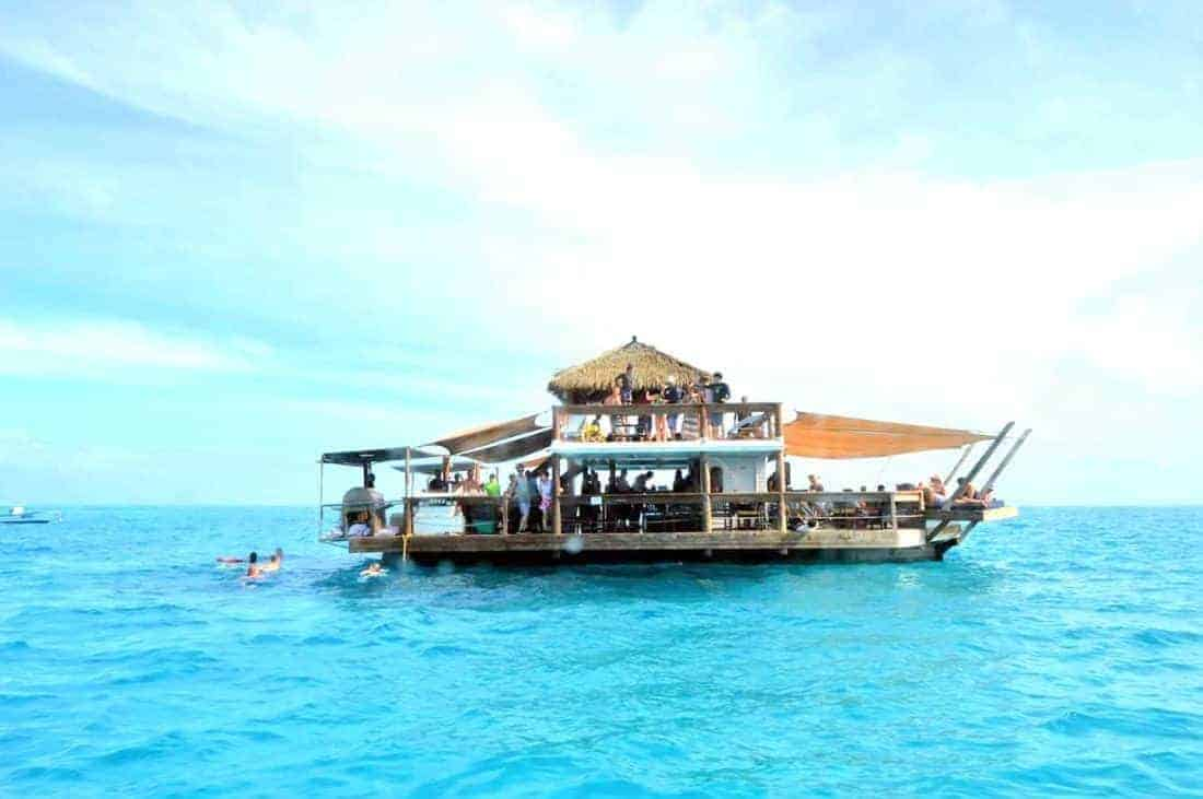 Fiji island hopping: Mamanucas