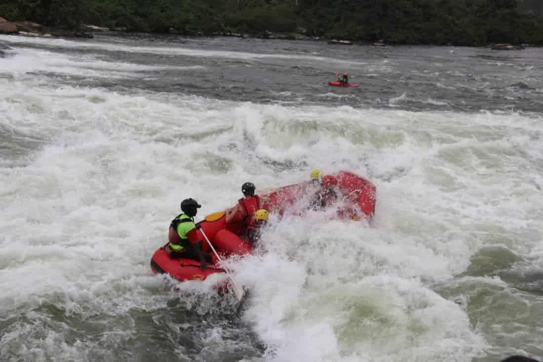Extreme sports in Uganda. Riverrafting og Bungy jump i Nilen in Jinja Uganda
