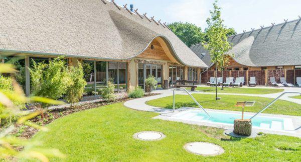 Alfsee-Ferienpark-Rieste-Alfen-Saunaland-Außenbereich