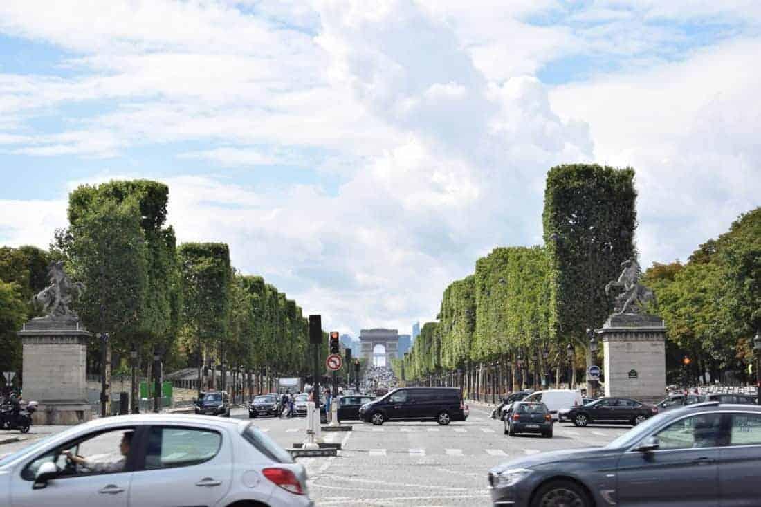 Champs Elysee og Triumfbuen