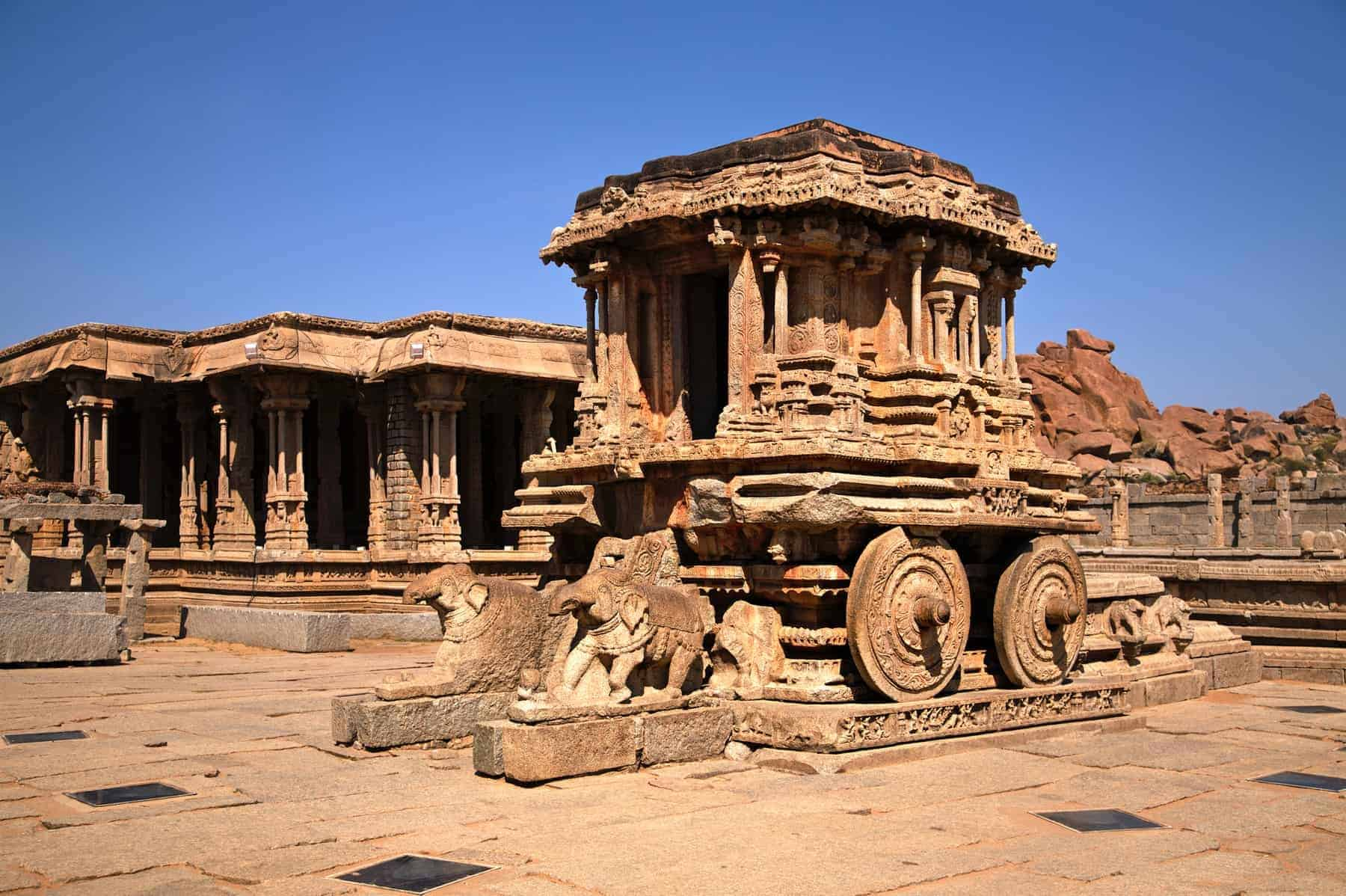 Stone chariot in the vittalla temple in Hampi. India