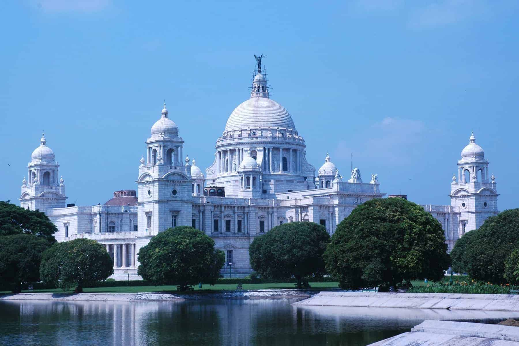 The full view of Victoria Memorial, Kolkata (Calcutta), India, in a bright and sunny day.