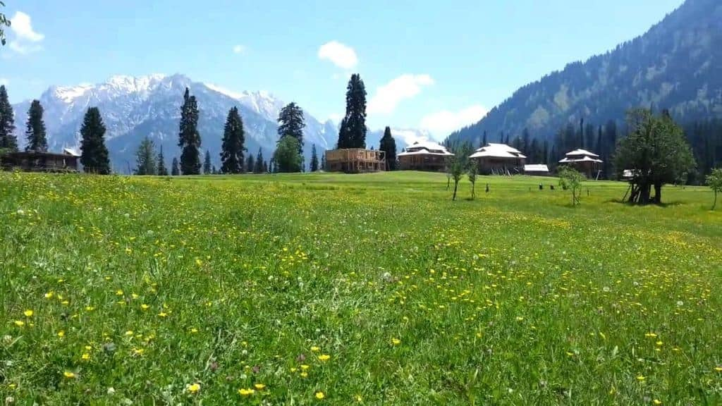 Neelam valley where to stay