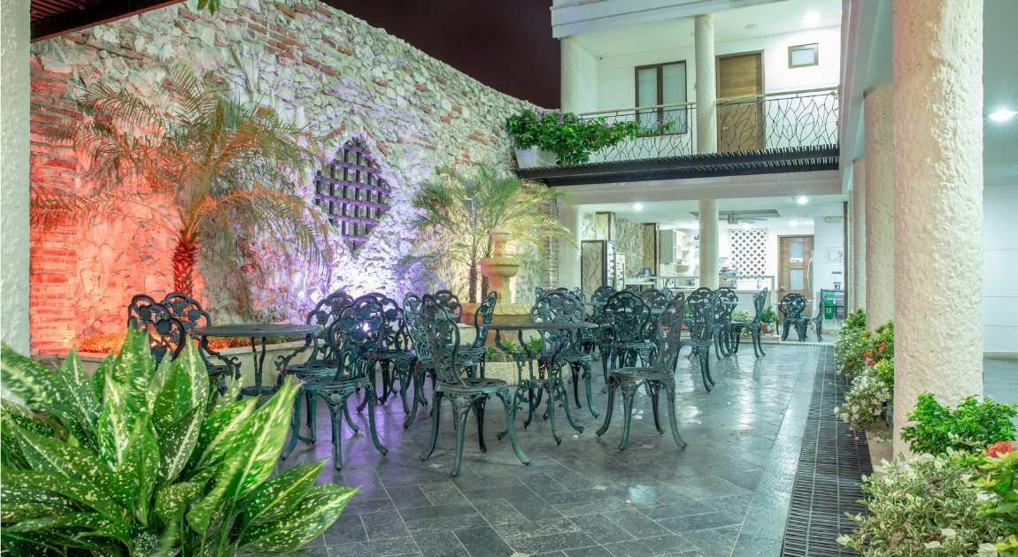 Hotel la artilleria, courtyard, Colombia