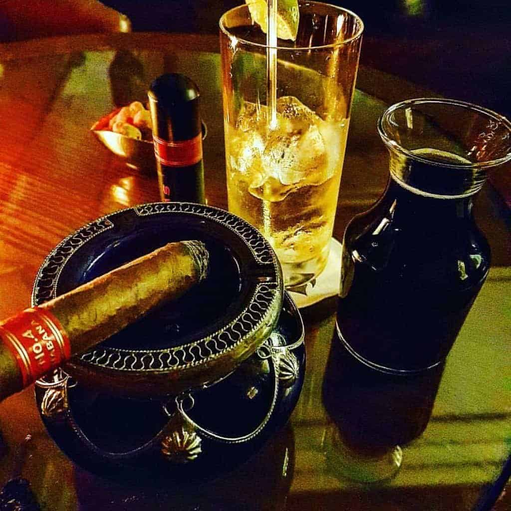 Cuban cigars and drinks