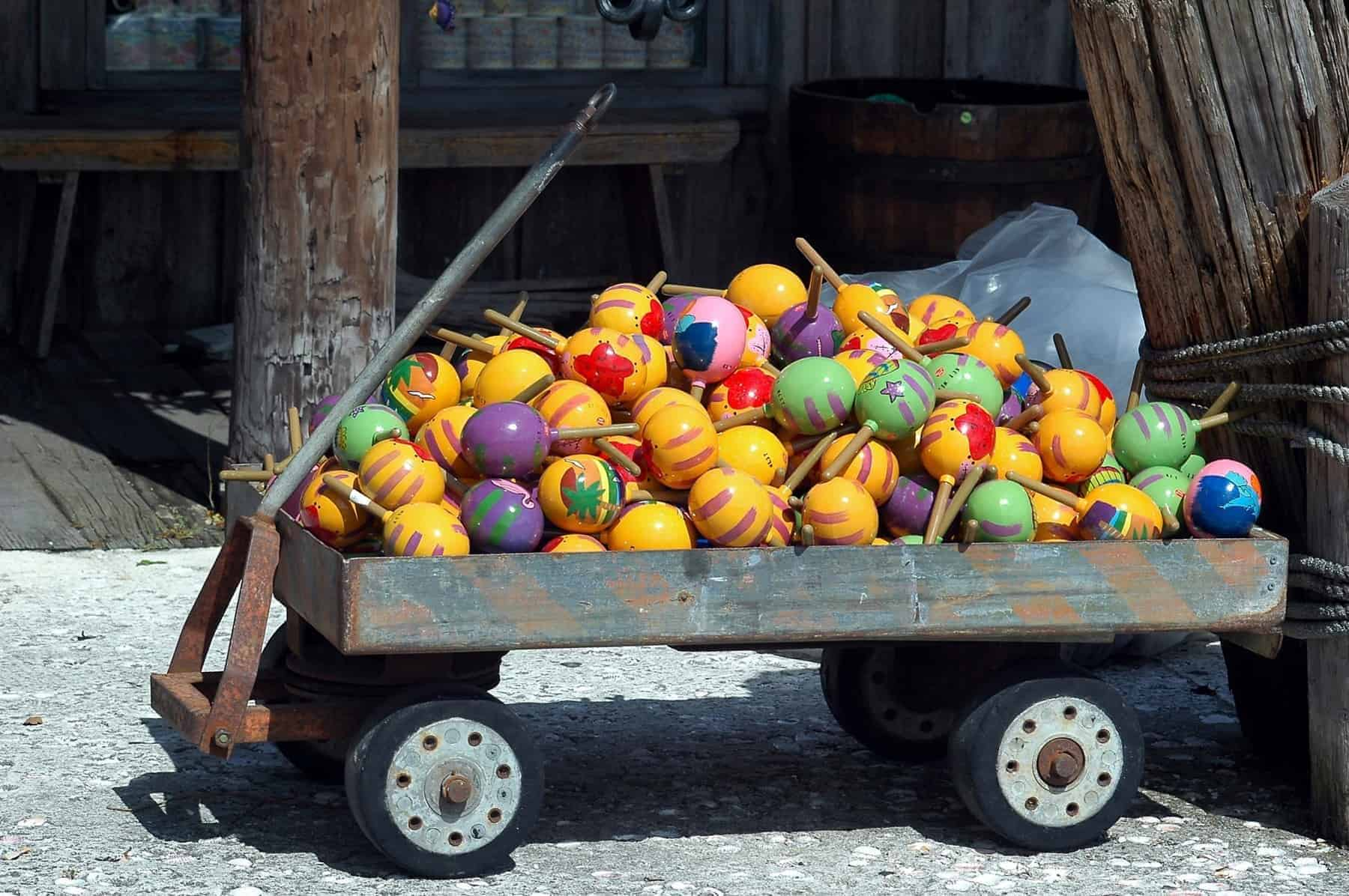 colorful-maracas-for-sale Cuba