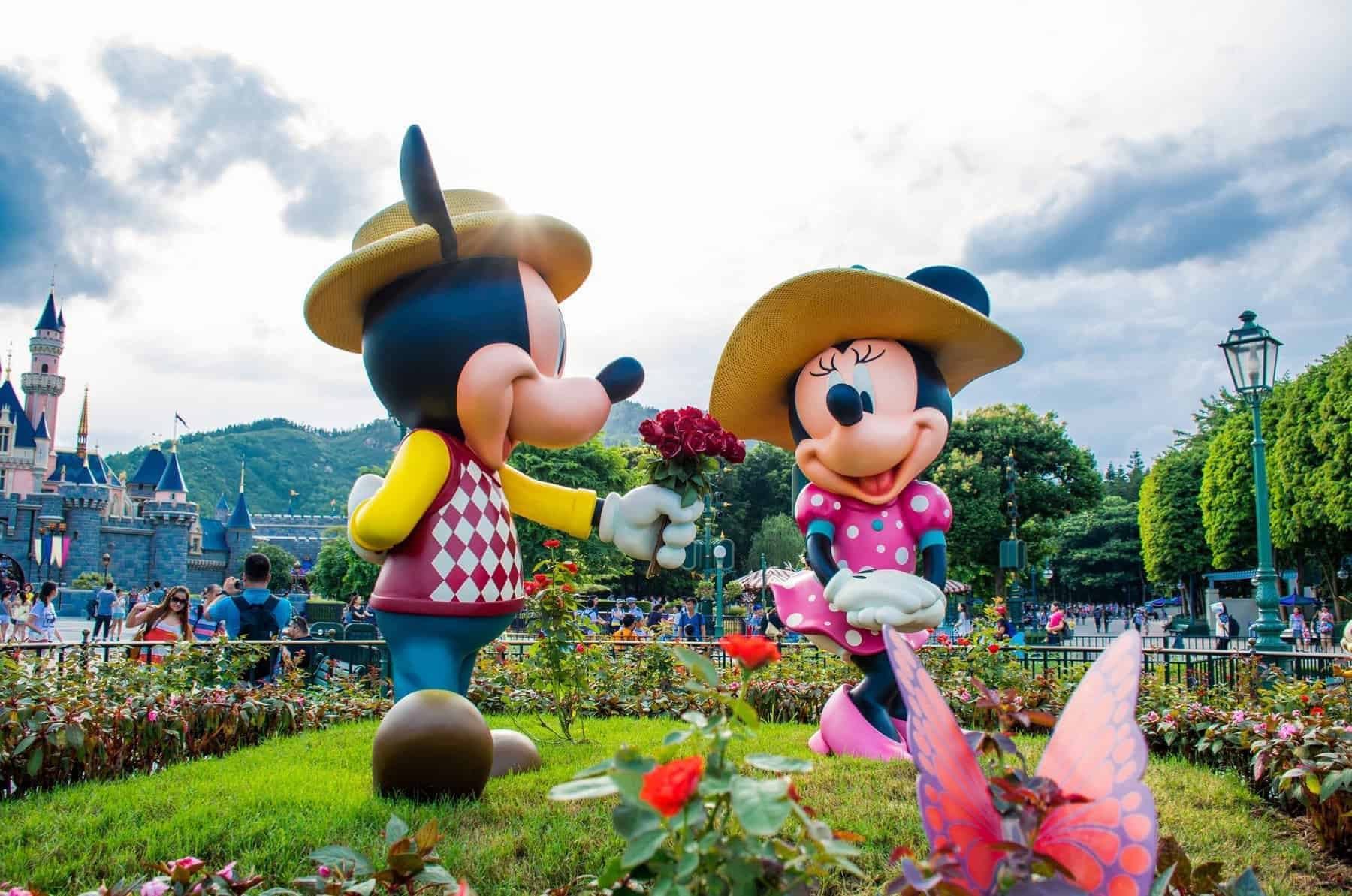 Mickey & Minnie in Disland Hong Kong
