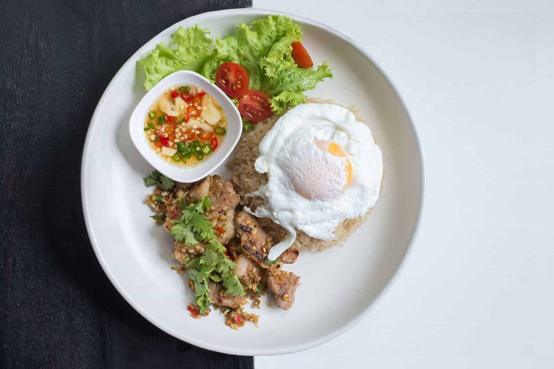Fried rice with pork and eggs